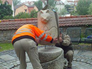 Aufstellung Katzenskulptur
